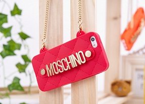 Чехол Moschino для iPhone 5 / 5s Chained Logo красный
